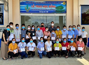 Sae-A Vietnam provides academic scholarships to children of workers